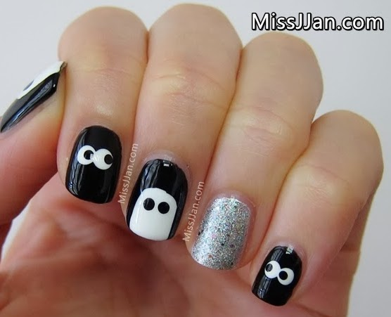 cute and spooky eyes ghost nail art halloween tutorial