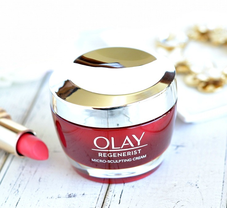 Soft, smooth and supple skin shouldn't be a luxury and @OlayUS Regenerist Micro-Sculpting Cream proves that! This drugstore favorite anti-aging moisturizer outperforms 10 top expensive creams, including one with a $440 price tag! Give it a try now and streamline your skincare routine down to one effective anti-aging + hydrating cream that's only $26.99!